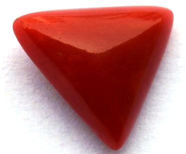 6.38-ratti-certified-triangular-red-coral-gemstone